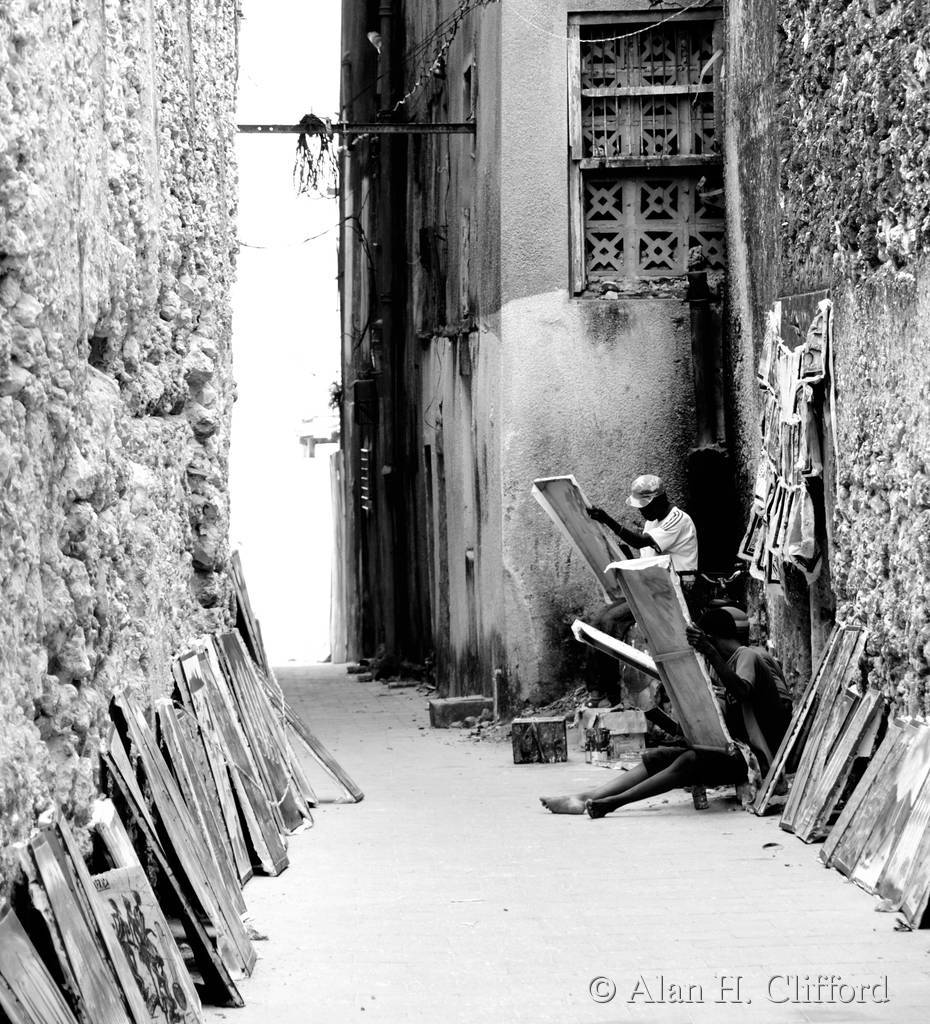 Artists in a Stonetown alley